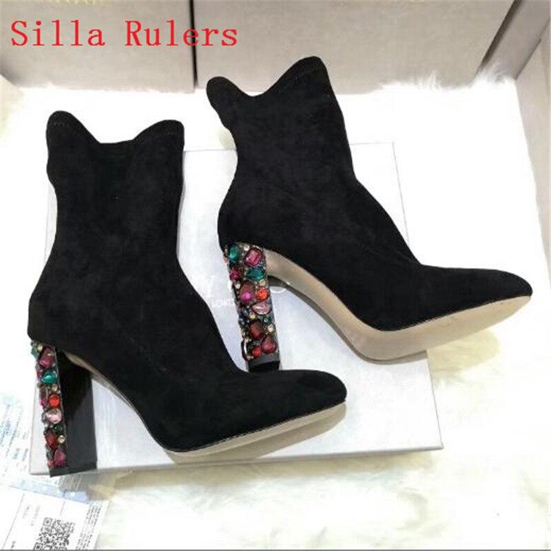 Модные женские ботинки на высоком каблуке со стразами; цвет серый, розовый; сапоги до середины икры из эластичной ткани; ботинки осень зима;
