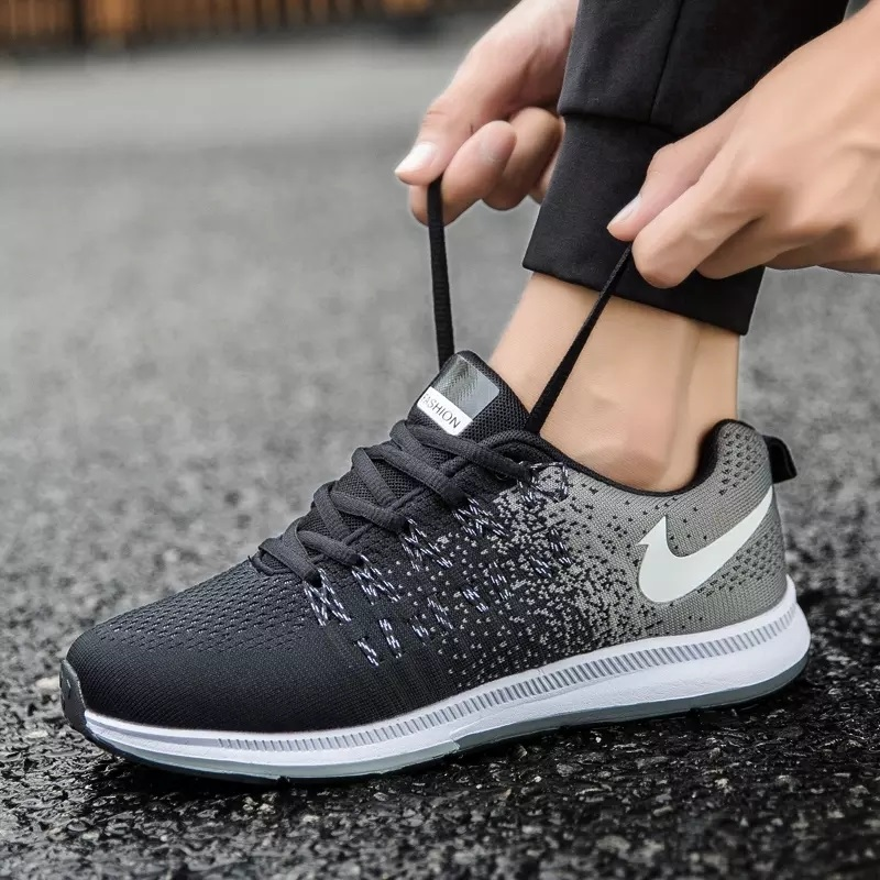 New Fashion Men Vulcanize Shoes Sneakers Stretch Fabric Breathable Light Soft  Leisure Shoes for Men