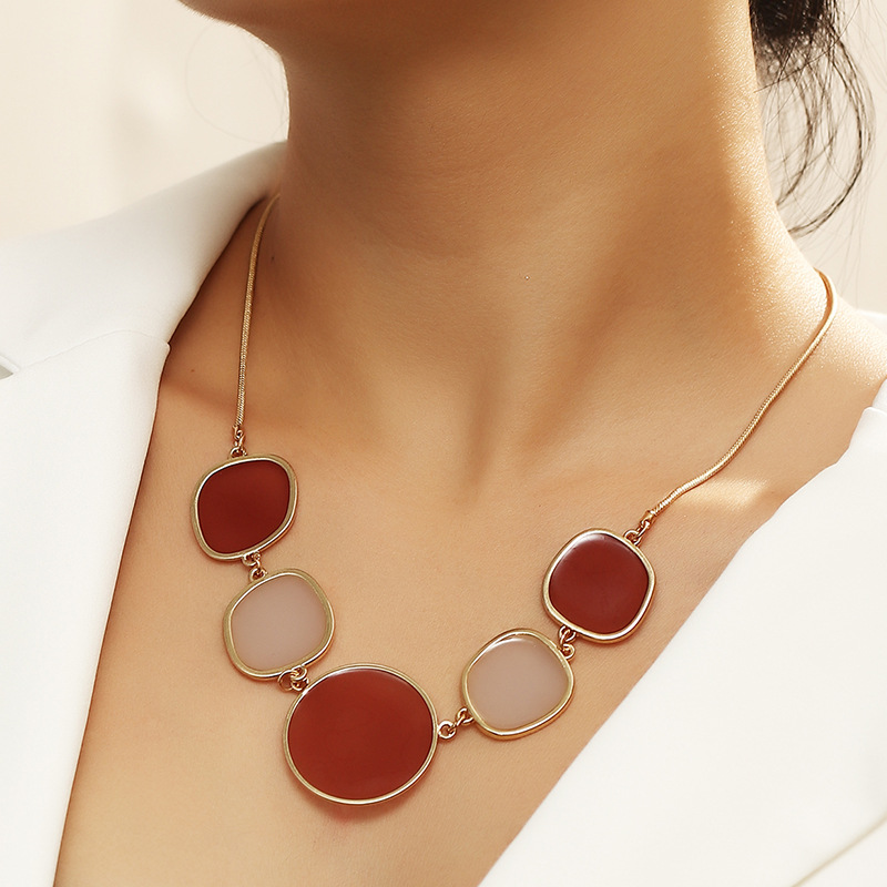 Big Statement Elegant Gold Metal Enamel Choker Necklace for Women Female Party Collar Clavicle Chain Necklace Wedding Jewelry