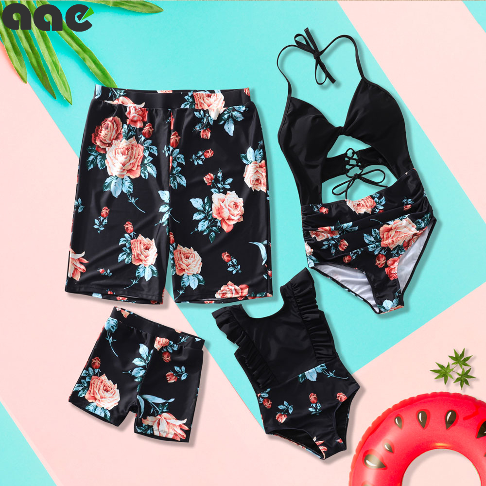 2020 New Family Matching Swimsuit Mommy And Me Mom Father Son Mother And Daughter Bikini Beach Shorts Couple Matching Swimwear