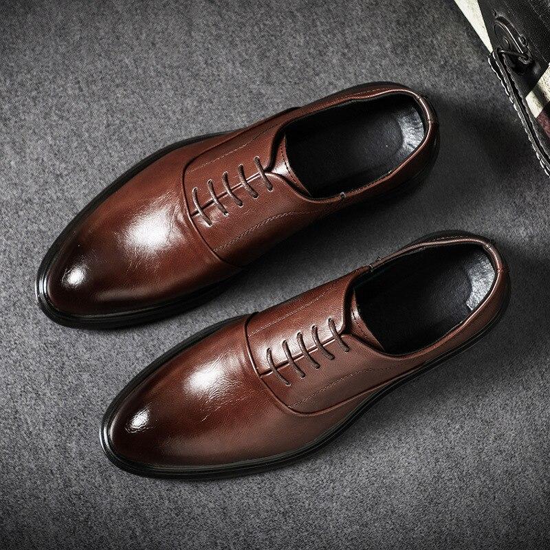 Mens Sapatos de Couro Genuíno Formais Sapatos Oxford Para Os Homens Italianos 2020 Brogues Couro Vestido Sapatos Sapatos de Casamento Laços