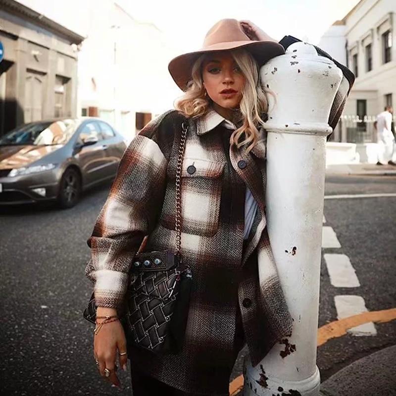 Vintage women 2019 long sleeve woolen coats fashion ladies thick plaid coat female streetwear elegant girls