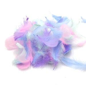 Новый 500 шт./пакет 5 см куриное перо розовый/синий/белый Красочные для свадьбы наполнитель подарочной коробки на День святого Валентина пода...