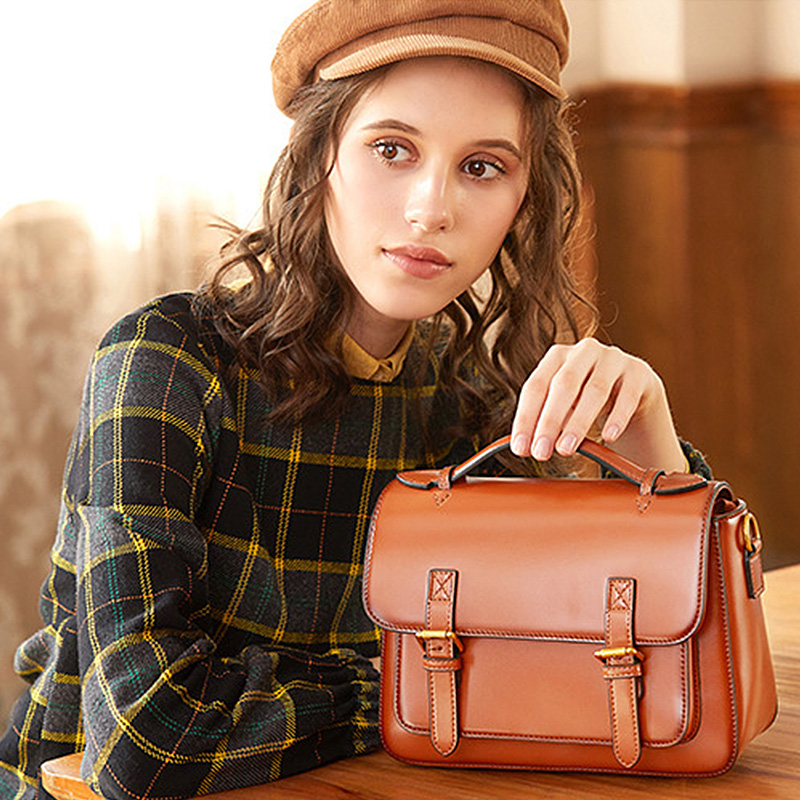 Genuine leather Bag Casual Small Bag Flap Retro Handbags Women Bags Shoulder Bags Handbags ladies Crossbody Hand Bags 2020 Sac