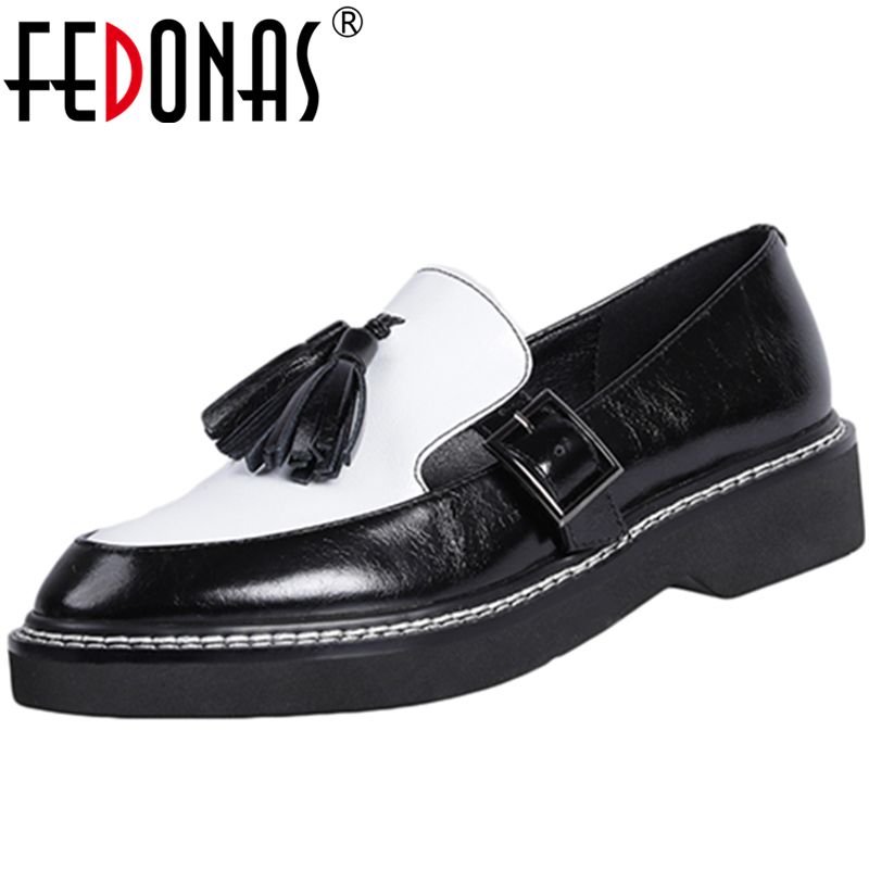 FEDONAS Euro Style Concise Casual New Women Cow Patent Leather Brogue Shoes Shoes Fringe Chain Round Toe Slip-On Shoes Woman