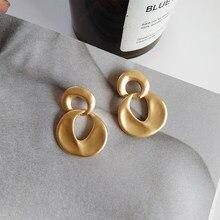 S925 Naald Dangle Oorbellen Mode-sieraden Zinklegering Matte Golden Plating Opknoping Drop Oorbellen Vrouwen Accessoires Sieraden Gift