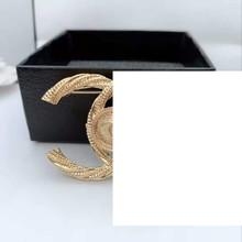 Lady szpilki i broszka kryształ górski w stylu vintage cc broszki pin c broszka przypinki duża perła broche dla kobiet tanie tanio Ze stopu cynku CN (pochodzenie) Moda