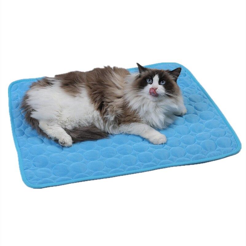 Summer Pet Mat Dog Ice Pad Cool Cold Silk Moisture-Proof Sleeping Cooler Mats for Dogs Puppy Beds Sofa Mats Pet Accessories