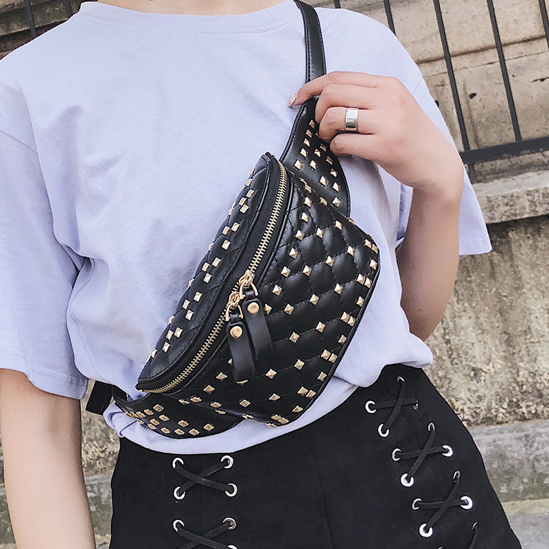 Rivet Waist Bag Female Belt 2020 New Brand Leather Chest Bag Handbag Shoulder Messenger Pack Ladies Waist Pack Belly Bags Purse
