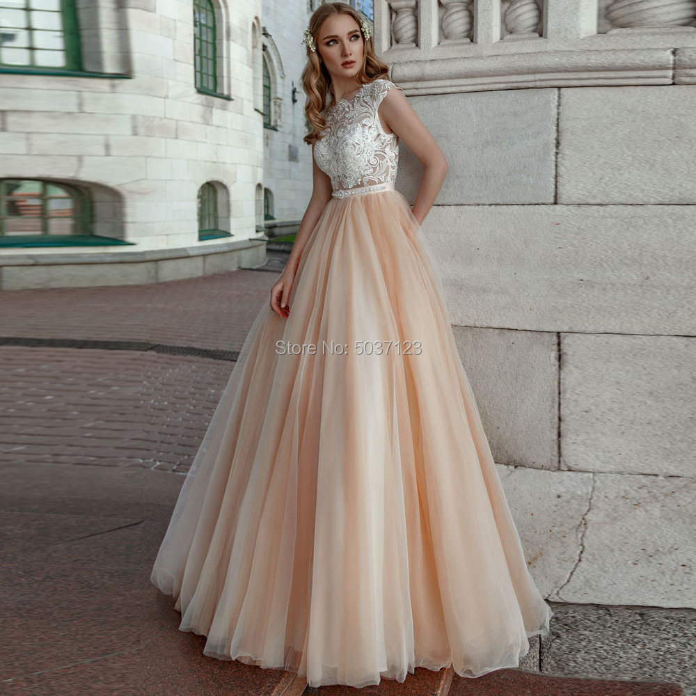 Champagne A Line Wedding Dresses 2019 Lace Appliques Sleeveless Scoop Bridal Wedding Gowns Button Illusion Vestido De Noiva