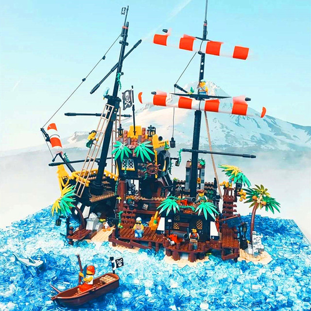 In stock building blocks 21322 Pirates of Barracuda Bay blocks toys for Children Gift