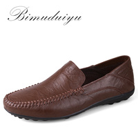 Promo BIMUDUIYU Venta caliente zapatos transpirables de cuero genuino de moda para Hombre Zapatos de conducción cómodos deslizantes