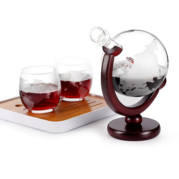 Whiskey Decanter Globe Wine Glass Set Sailboat Skull Inside Crystal Whisky Carafe with Fine Wood Stand Liquor Decanter for Vodka whiskey whisky