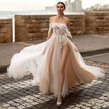 Свадебное платье трапеция с иллюзией кружевной аппликацией и