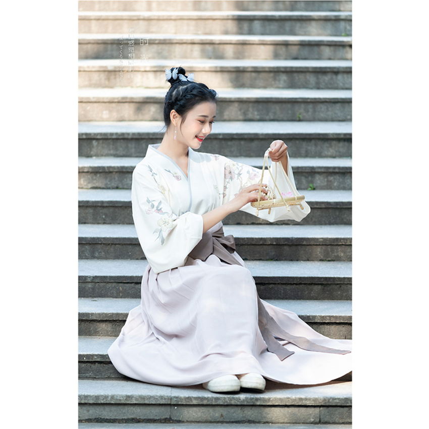 Image 5 - Traditional Japanese Kimono Woman Retro Floral Fashion Haori Clothing Set Spring Oriental Party Photography Clothes for Girls-in Asia & Pacific Islands Clothing from Novelty & Special Use