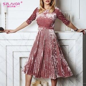 Image 3 - S.FLAVOR kobiety Slim aksamitna sukienka moda jesień rękaw 3/4 Vintage plisowane sukienki Winter Party Vestidos De