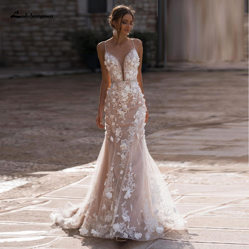 Floral Champagne Tulle Mermaid Wedding Dresses Sexy Backless Bridal Gowns 3D Flowers Lace Wedding Gowns Spaghetti Straps 2020