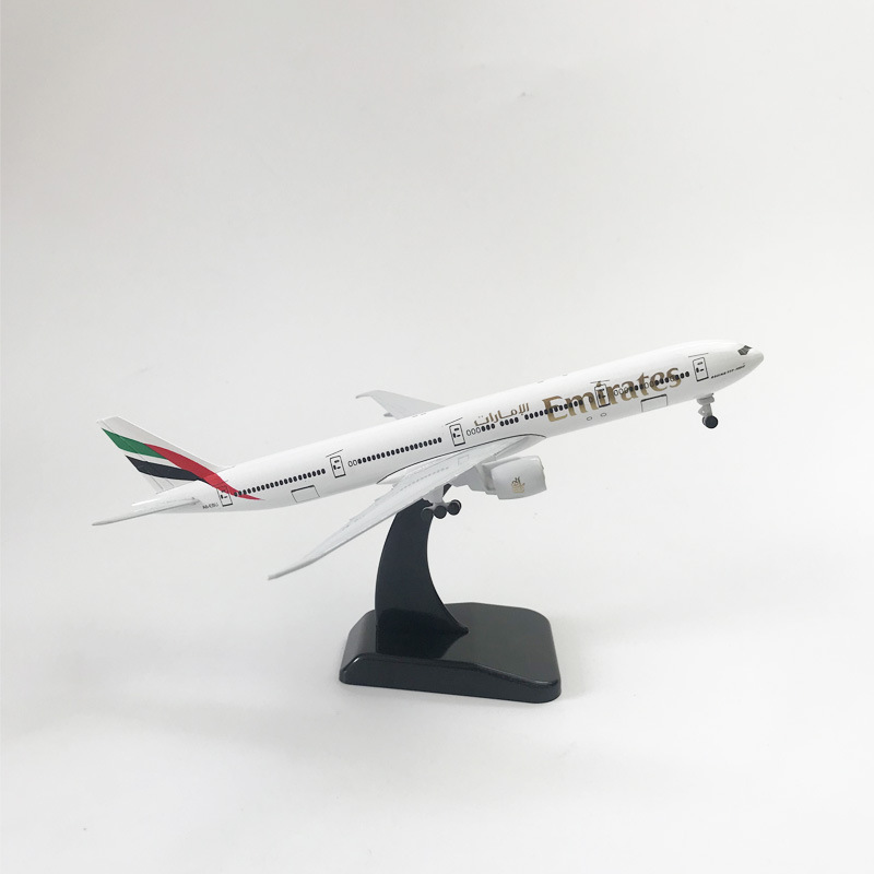 20CM Alloy Aircraft Model Emirates Boeing 777 Aircraft Model Children Birthday Gift Toy