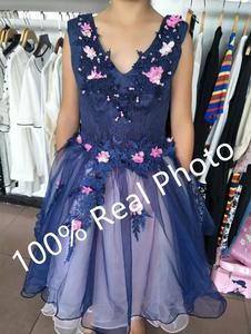 Image 2 - Robe de soirée Sexy violette, col en v, en dentelle, perles appliquées, robe courte de soirée, robe de soirée, Banquet, XK54