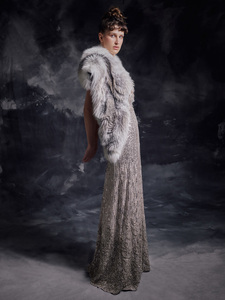Image 2 - Роскошный меховой палантин, платье для выпускного вечера, ТРАПЕЦИЕВИДНОЕ длинное вечернее платье с глубоким V образным вырезом без рукавов, бусинами и блестками, вечерние платья, 2020