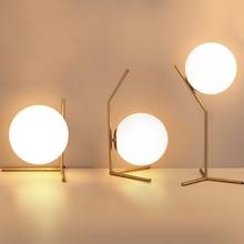 زجاج حديث مصابيح طاولة الكرة الذهب الشمال بسيطة نوم السرير مصباح مكتب للقراءة ديكور المنزل LED مصباح الطاولة lamvillage