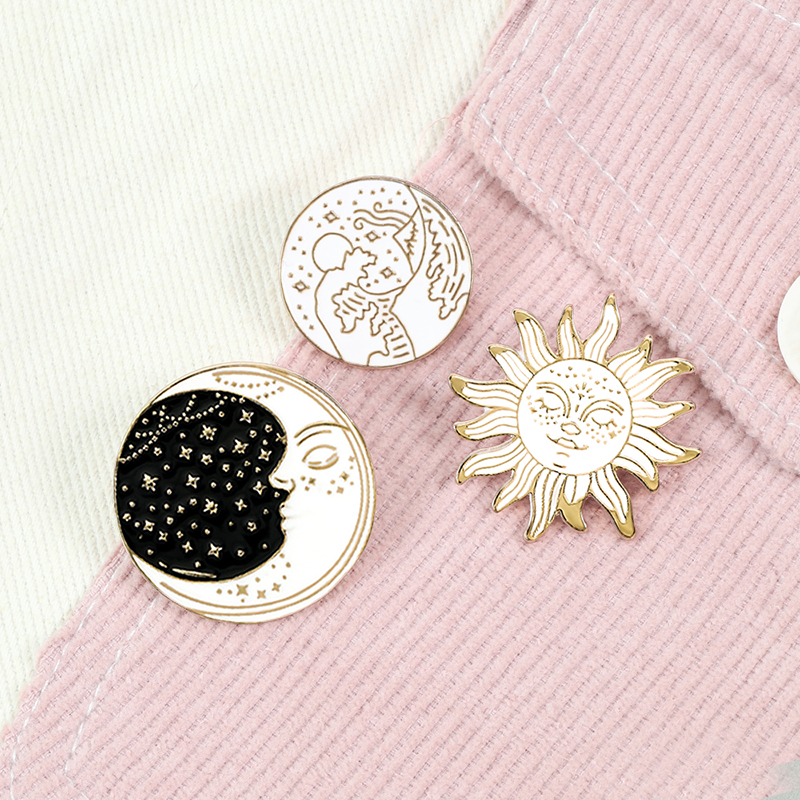 Cartoon Waves Brooch Vintage Sun and Moon Round Enamel Pins Adventure Explore Camping Badges for Women Shirts Lapel Pin Jewelry 1