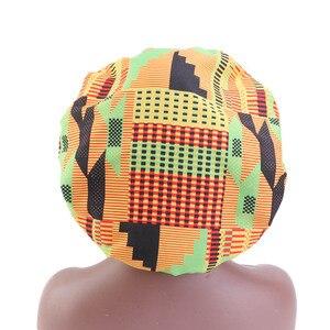 Image 3 - Nowa bardzo duża satynowa podszewka maski kobiety afrykański wzór nadruk na tkaninie Ankara Bonnets nocny czepek do spania panie Turban