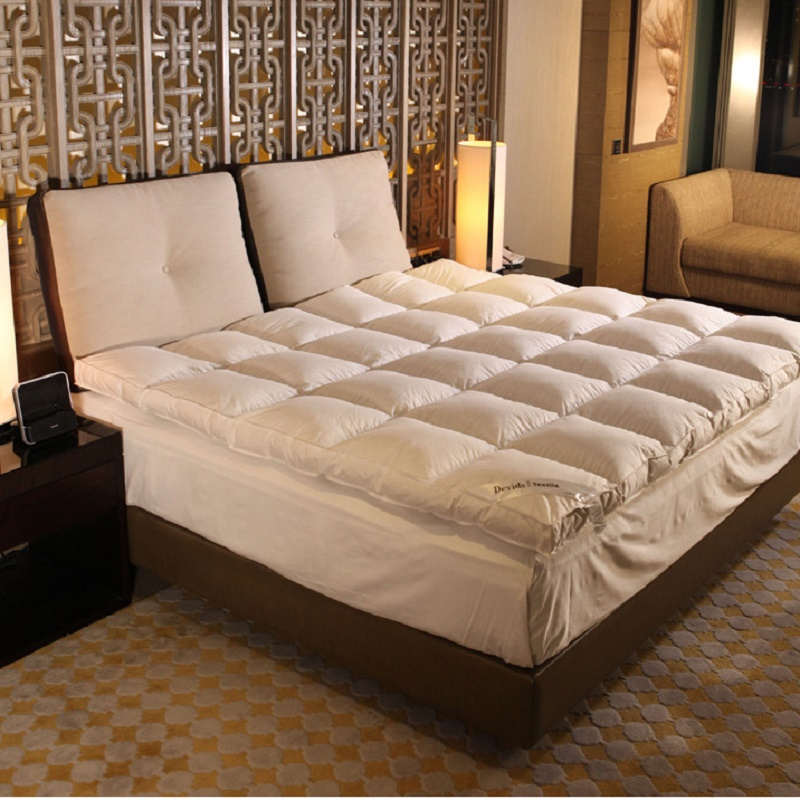 luxury filling 100% white goose down 10cm thickness Comfortable Cotton fabrics mattress Enjoyment of five star hotels