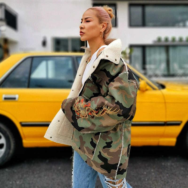 TWOTWINSTYLE 자 수 히트 색상 여성 코트 옷 깃 칼라 긴 소매 느슨한가 자 켓 여성 패션 의류 2020 조 수에 대 한