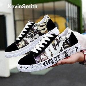 Zapatos informales con grafiti para hombre, vulcanizados nuevos zapatos de otoño, zapatos deportivos de lona informales con estampado de zapatos planos para parejas, Tenis Masculino