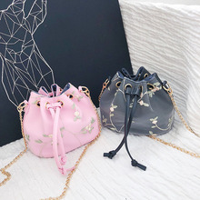 NEW ARRIVAL Messenger Bags PU Women's Bags Embroidery Inclined shoulder bag FLOWER Drawstring Bucket bag for girls Bolsa girls open shoulder flower embroidery top
