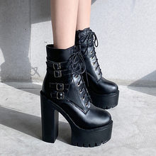 На платформе; Ботинки с ремешком на щиколотке; Модные женские