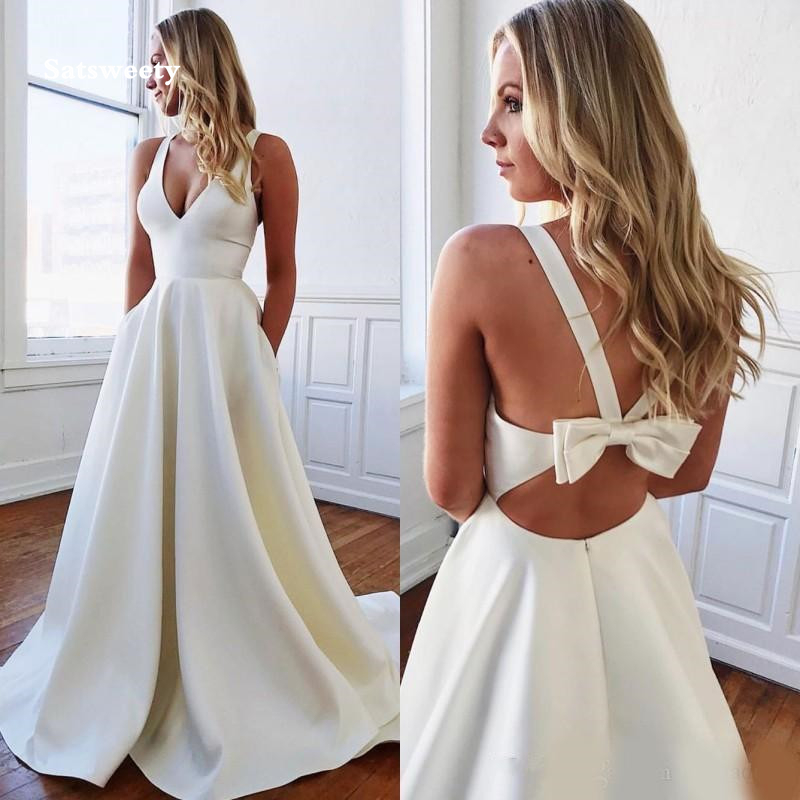 2020 Simple Design Stain Wedding Dresses with Bow Sexy V-neck Backless Sweep Train Summer Holiday Beach Boho Bride Dress