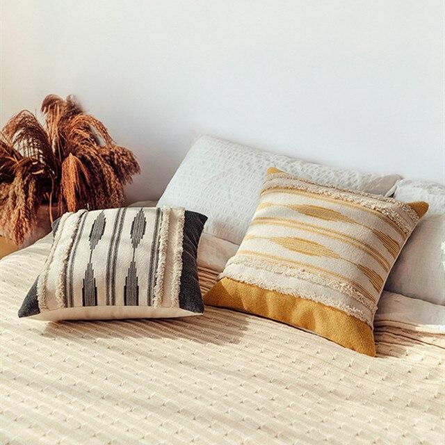 Capa amarela de almofada bordada, capa para almofada geométrica cinza de decoração e feita à mão