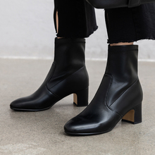 Plus Size 34-43 Fashion Genuine Leather Boots Hot Autumn Winter Women Stretch Socks Boots Ladies Shoes Martin Boots Ankle Boots autumn and winter new martin boots bohemia hand painted tassel genuine leather handmade women ankle boots plus size 40 42