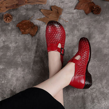 Folk-custom Genuine Leather Loafers Womens Flats Spring Shoes Female Loafers Casual Flats Red Lazy Shoes 2020 Fashion Mom shoes womens ankle boots soft flats shoes fashion womens autumn spring genuine leather shoes female plus big large size 40 41 aa0555