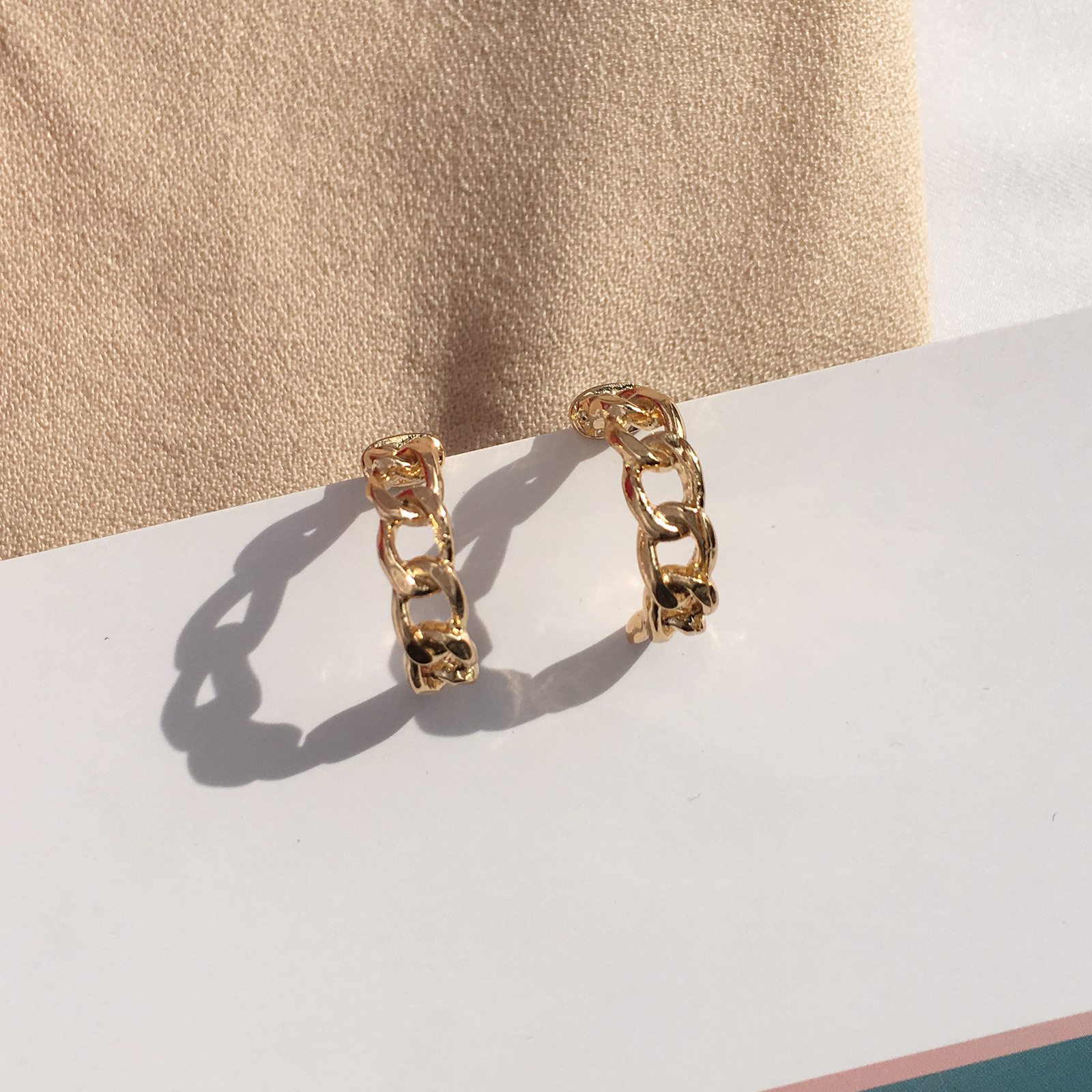 2019 Korean Gold Color Chain Hoop Earrings For Women Fashion Popular Metal Chain C Type Simple Earrings Statement Jewelry Gifts