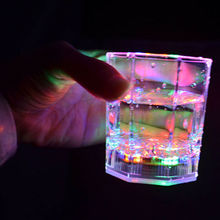 2020 HOT Multicolor LED Glowing Glasses Cup Flash Light Up Cups Drinking Flashing Shot Light LED Bar Night Club Party Bar