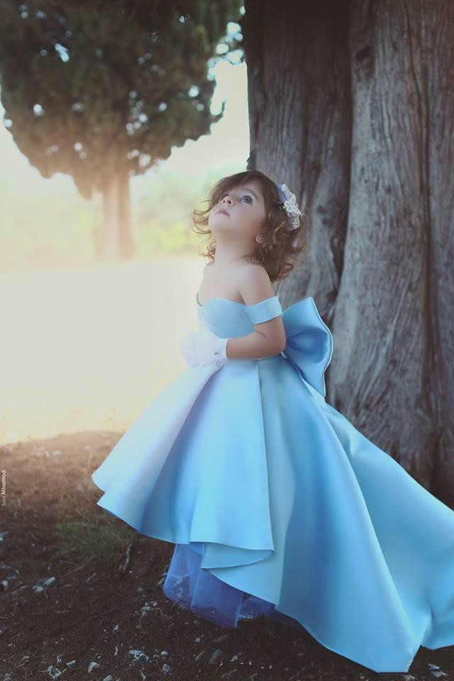Beautiful High Low Style Satin Pageant Gown   Flower     Girls     Dress   with Big Bowknot for Weddings Party