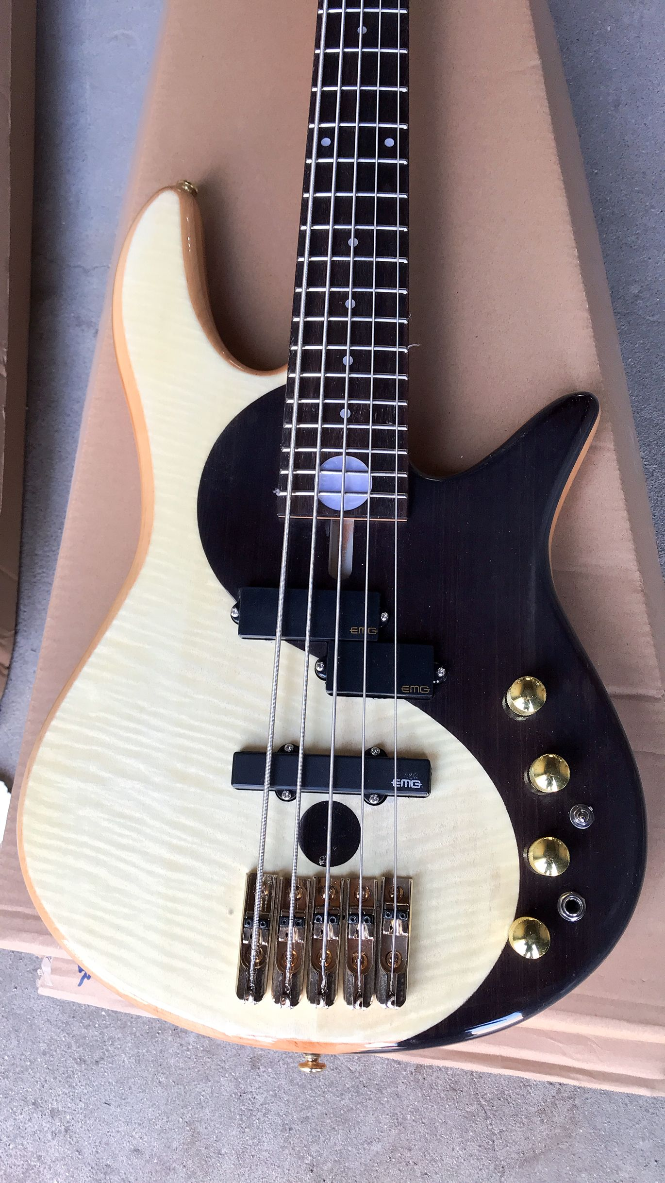free shipping New arrival Yin an Yang 5 strings Bass guitar gold hardware electric guitar bass