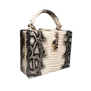 Image 4 - 뱀 인쇄 상자 핸드백 여자 사문석 잠금 작은 사각형 PU 저녁 클러치 숄더 가방 숙녀 저녁 파티 지갑 성격