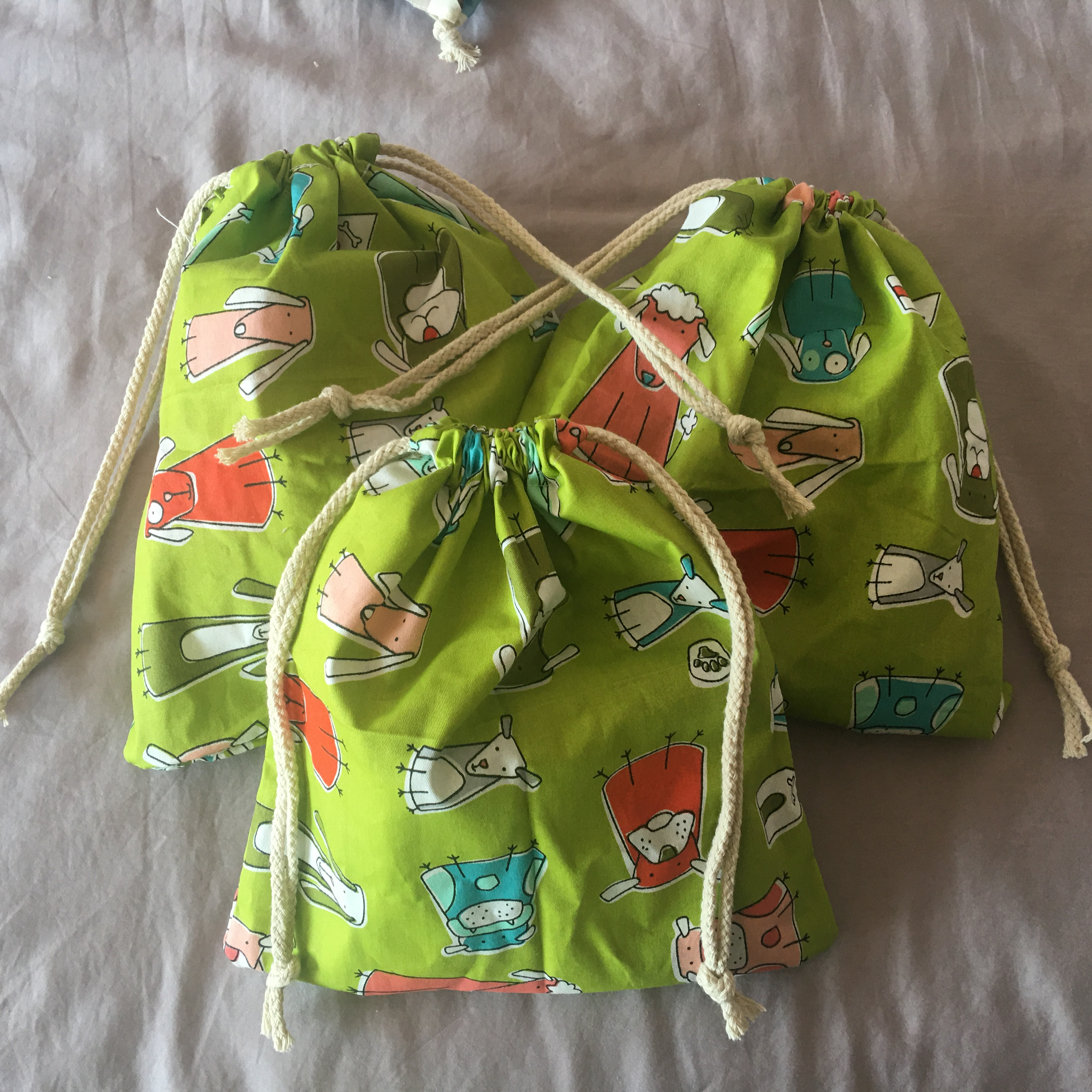 1pc Cotton Twill Drawstring Eco Organized Pouch Party Gift Bag Print Animal Green Base YL320a