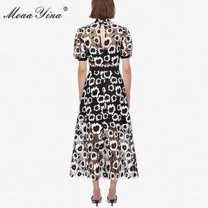 Image 3 - MoaaYina Moda Tasarımcı Pist elbise Sonbahar Kadın Elbise Balıkçı Yaka Kısa kollu Soyut Gipür dantel kesik dekolte Elbiseler