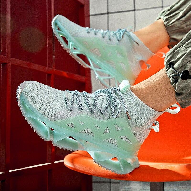 2020 été Offre Spéciale hommes chaussures décontractées élastique en caoutchouc film lame chaussettes couple chaussures chaussures lumineuses Zapatos De Hombre