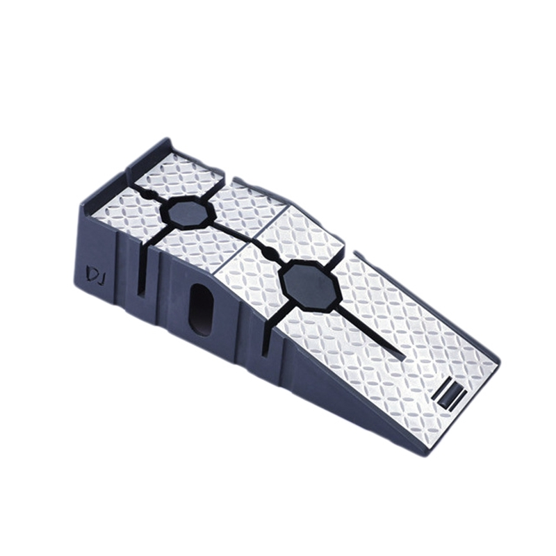 Simulation Car Tire Repair Slope Pad Step Pad Holder For TRAXXAS SCX10 AXIAL TRX4 RC Car Repair Tool Car Non-Slip Repair Slope