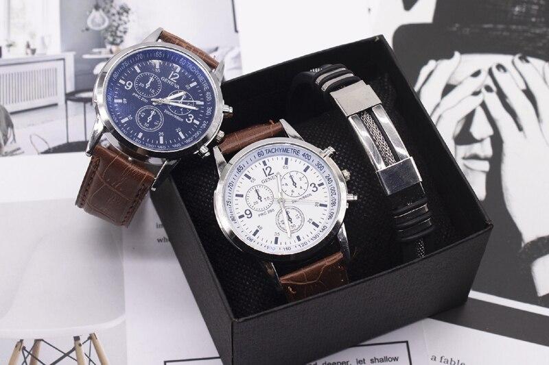 montre à bracelet noir