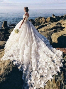 Image 1 - 2019 Wedding Dresses Lace Crystal Sashes Bridal Gowns Cap Sleeves Sweep Tain Vestidos De Noivas