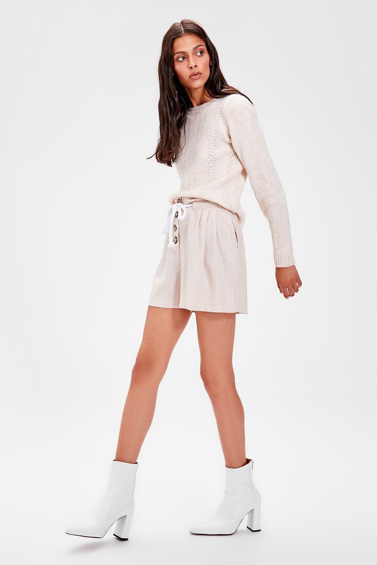 Trendyol Beige Lacing Detaylı Shorts TWOAW20SR0024