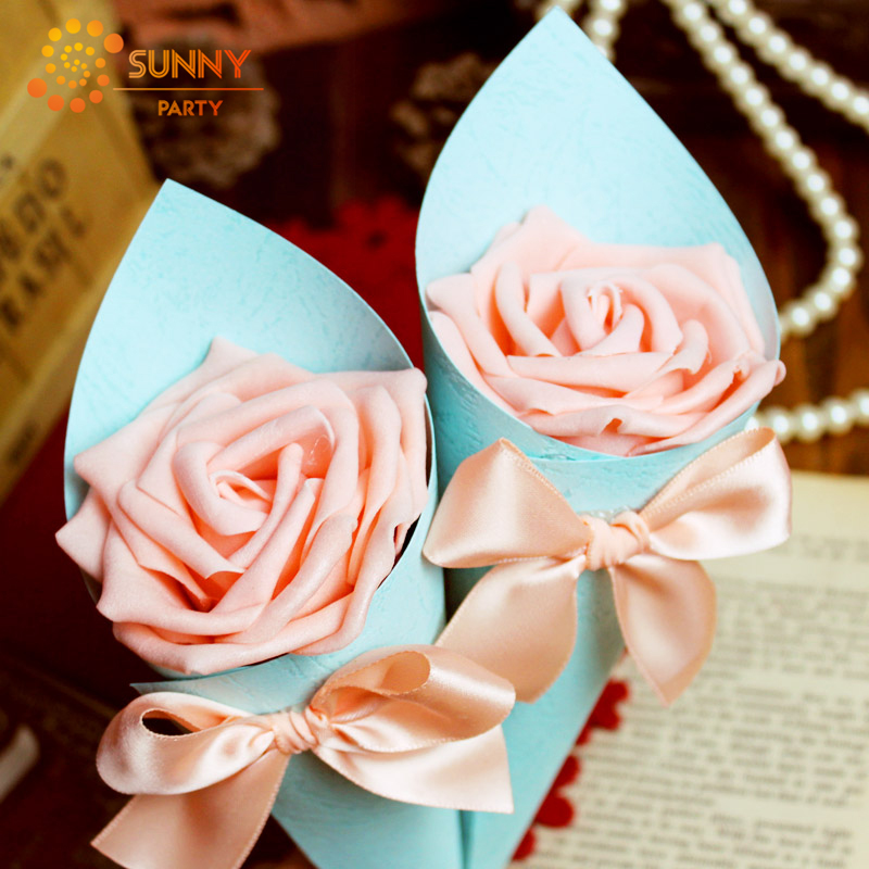 Wedding Bow-knot Paper Candy Boxes Artificial Rose Flowers Cone Confession Party Candies Packaging Bridal Wedding Decor Supplies