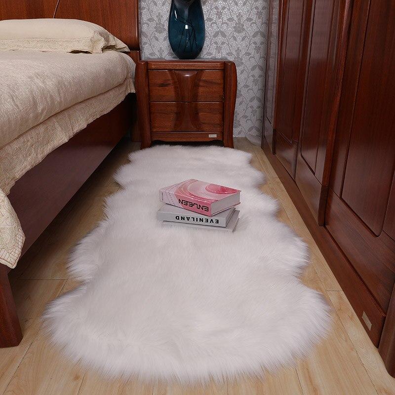 Peluche chambre tapis chevet couverture couverture blanche irrégulière simple tapis photo fond couverture canapé tapis